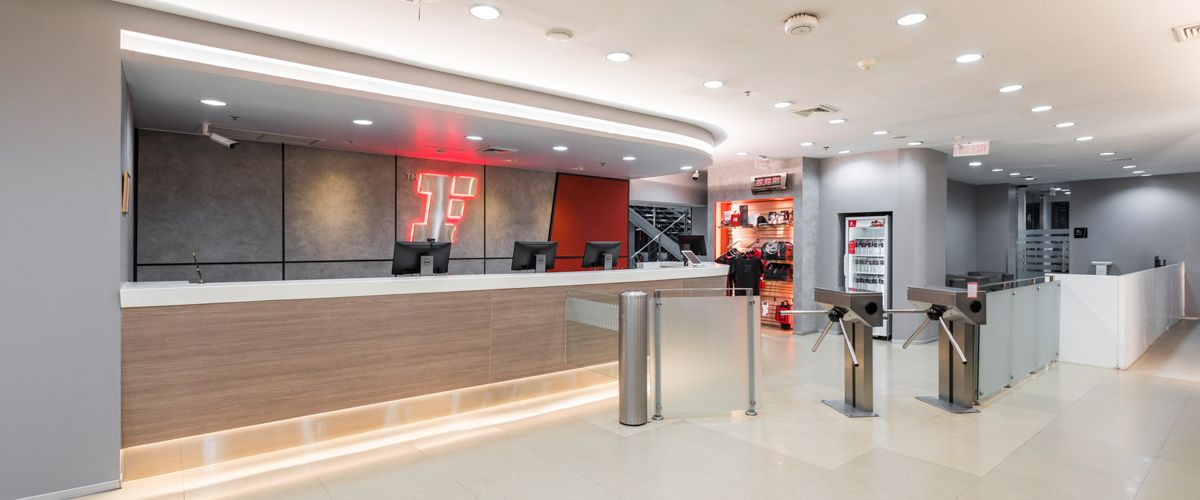 Fitness First The Mall Ngamwongwan Front Desk