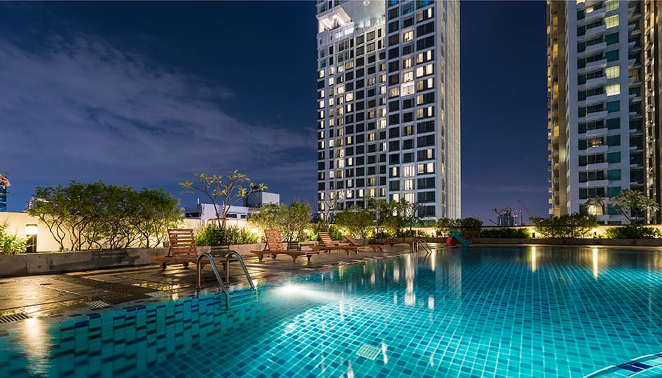 Fitness First Thailand outdoor swimming pool night view